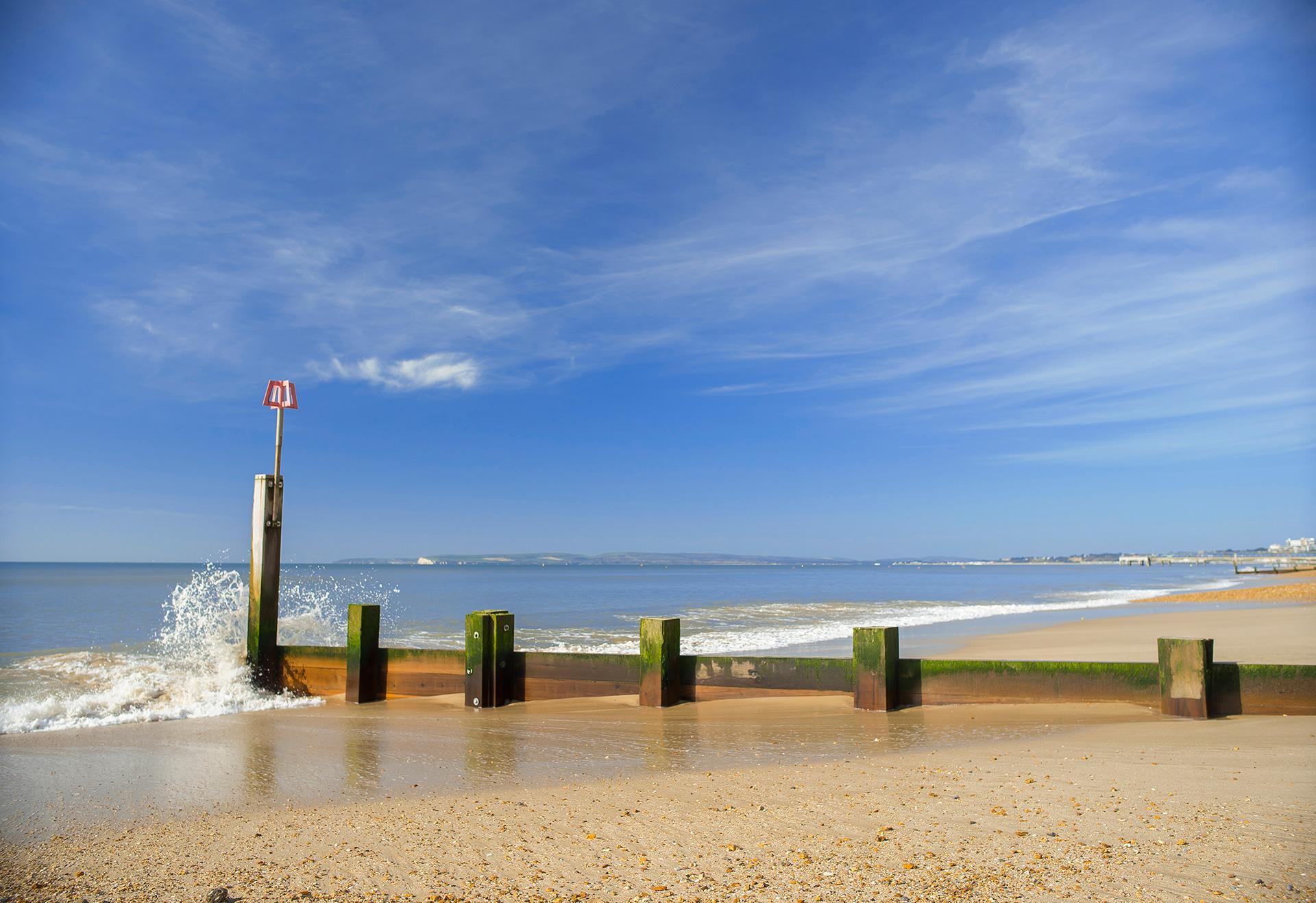 Waves crashing into the Groyne in boscombe